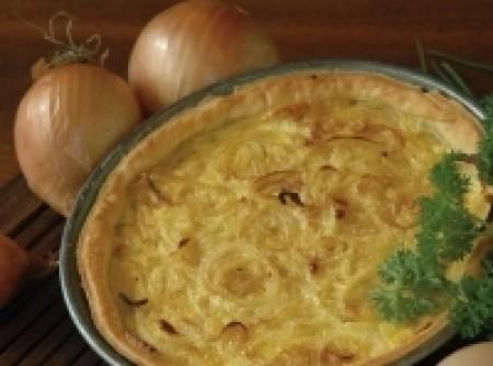 Torta com cebolas e anchovas