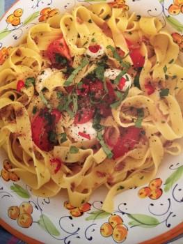 Tagliatelle com Pomodoro e Mozzarella