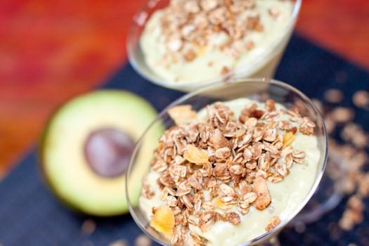 Vitamina de Abacate e Granola