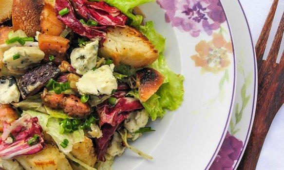 Salada Rústica com Gorgonzola