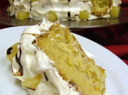Torta de Abacaxi com Glacê de Baunilha