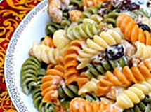 Massa Colorida com Uvas Passas