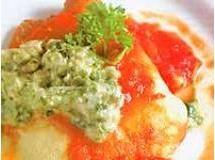 Crepe de quinua com frango ao creme de espinafre
