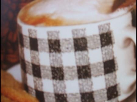 Expresso com espuma de leite e chocolate picante | Alfeu Ramos