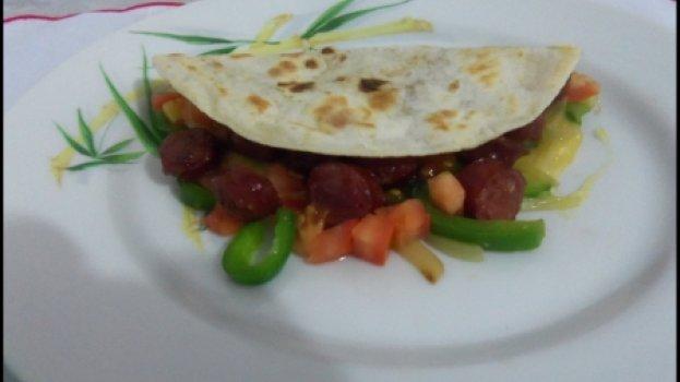 Wrap de Linguicinha Suína e Queijo Prato
