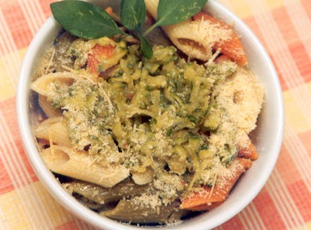 Salada de Penne com Abobrinha e Tomates | CyberCook