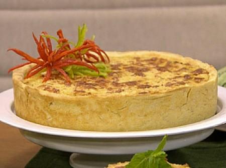 Torta cremosa de abobrinha com creme de queijo