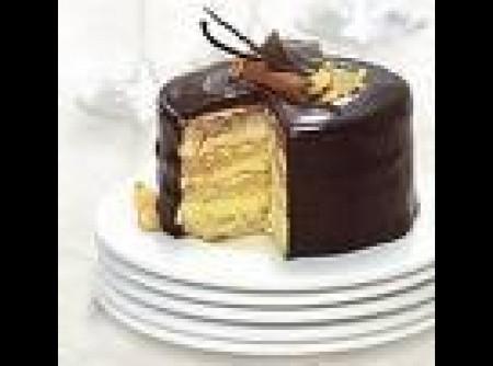 Bolo Crocante de Chocolate e Castanhas de Caju
