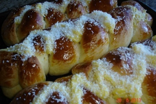 Pão Doce com Cobertura de Creme de Padaria | Regiane Somavilla