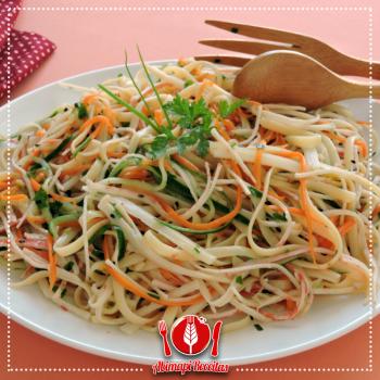 Salada de Linguini com Kani e Palmito