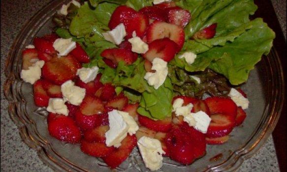 Salada Divina com Morangos