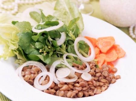 Salada de Folhas e Lentilha