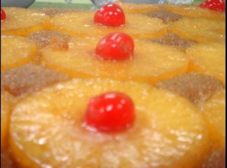Torta de Abacaxi com Leite de Coco