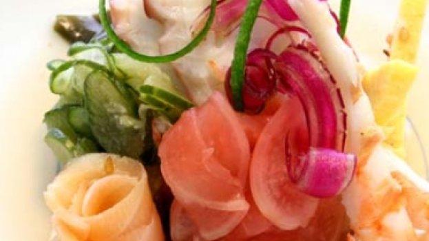 Sunomono Frutos do Mar e Legumes ao Molho Agridoce