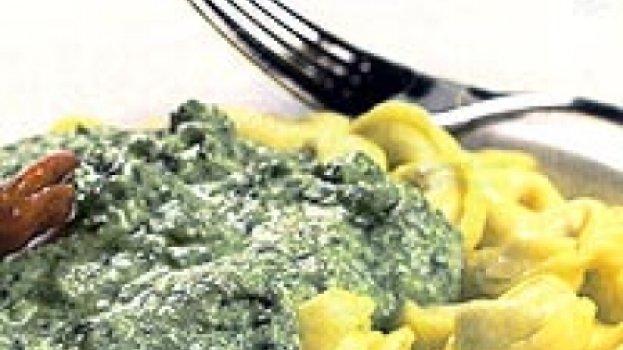 Tortellini de Ricota com Creme de Brócolis