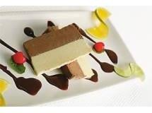 Semifredo de Chocolates Branco e Meio Amargo