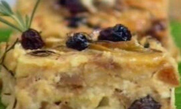 Pudim de Pão Com Maçãs e Figos Secos