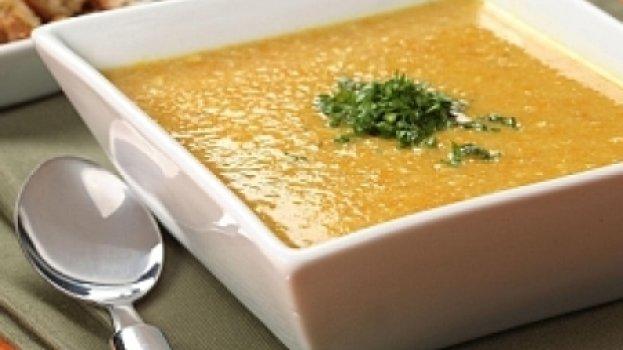 Sopa de Milho com Creme de Leite e Queijo Parmesão