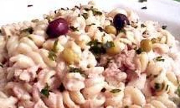 Salada de Macarrão com Frango, Ervilha e Maçã