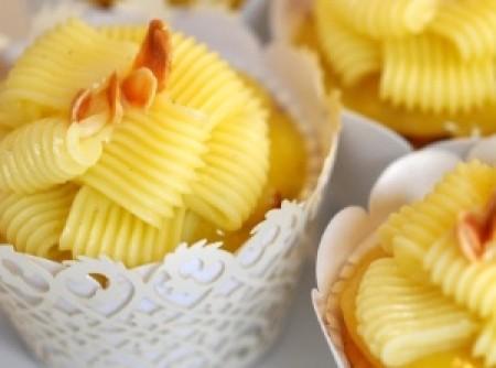 cupcake de limão siciliano e amendoa | Leninha Campos