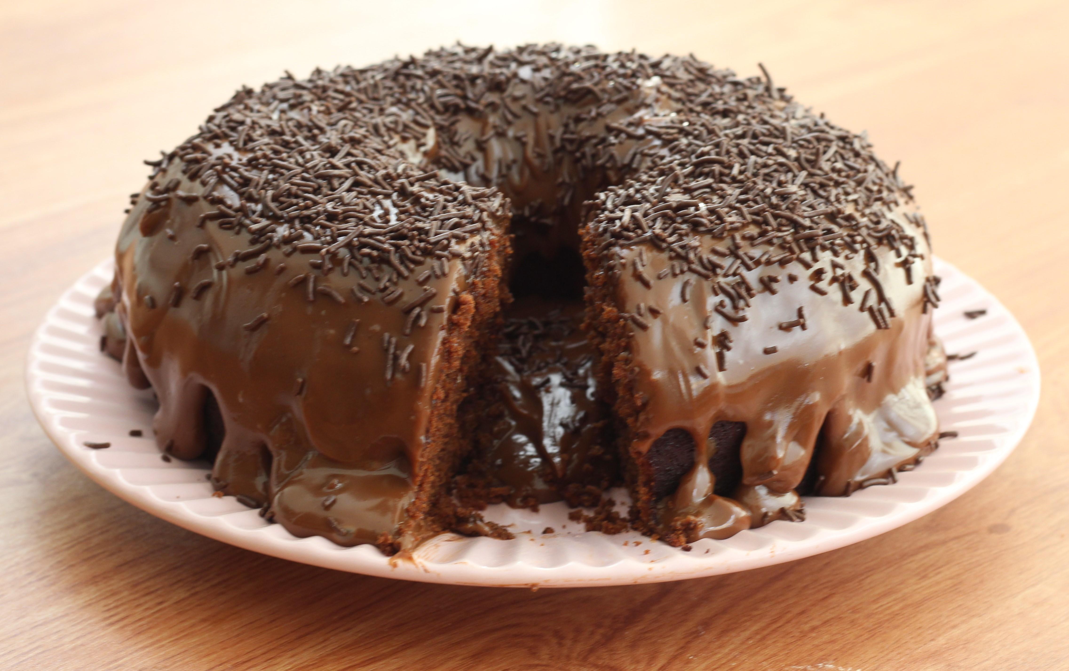 Receita De Bolo De Chocolate Molhadinho Cybercook
