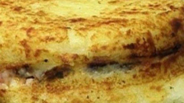 Batata Recheada com Carne Sol