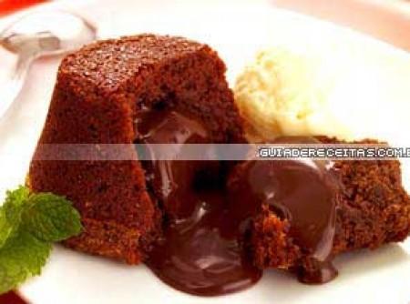 Bolinho Cremoso de Chocolate | emy