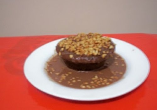 Bolo Light de Chocolate com calda nada light