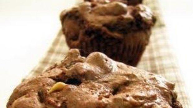 Brownies Individuais Recheados com Pasta de Amendoim
