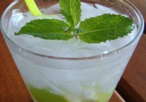 Caipirosca de limão e hortelã