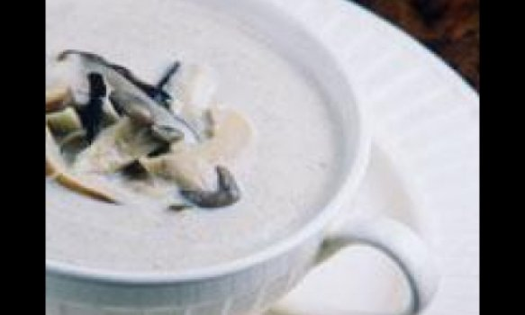 Sopa cremosa de champignons