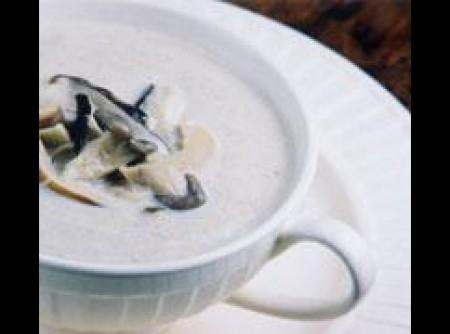 Sopa cremosa de champignons | Renata Tseng