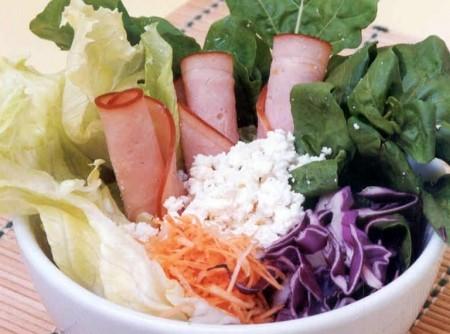 Salada de Ricota com Peito de Peru