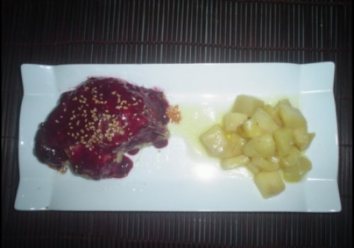 Confit de pato com frutas vermelhas