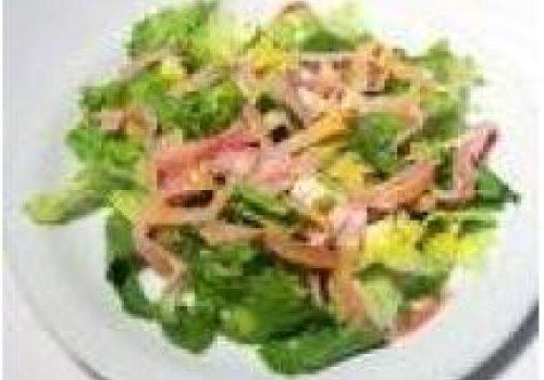 Salada de alface c/ kani kama e manga