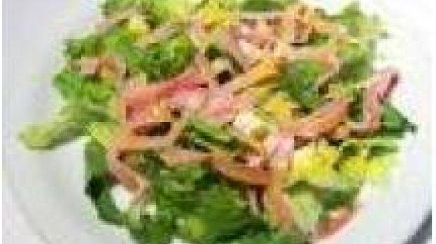 Salada de Alface com Kani Kama e Manga