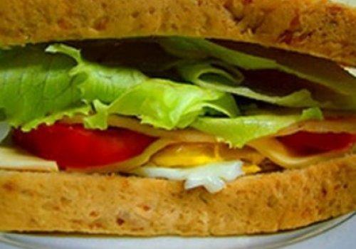 Sanduíche de Frutas e Mel