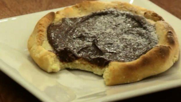 Esfiha de Leite Ninho com Nutella
