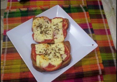 Mini pizza (com torrada)