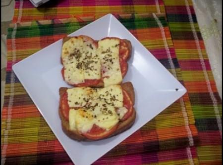 Mini pizza (com torrada) | Marisa Meneses de Sousa Gaspar