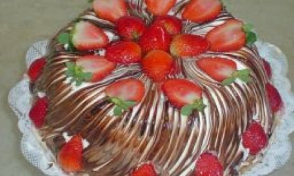 Torta mesclada de morangos