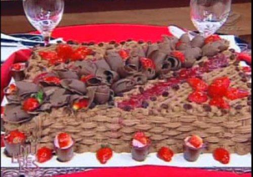 Bolo Mousse de Morango com Chocolate Branco