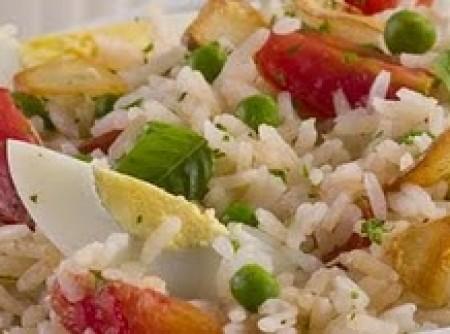 Salada de Arroz aromatizada | Neusa Aparecida da Silva
