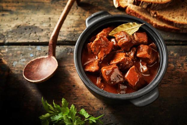 Quais são as melhores carnes para assar na panela?