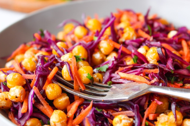 salada de grão de bico e cenoura/cybercook