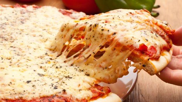 Dê folga para o delivery e faça sua Pizza de Liquidificador em casa