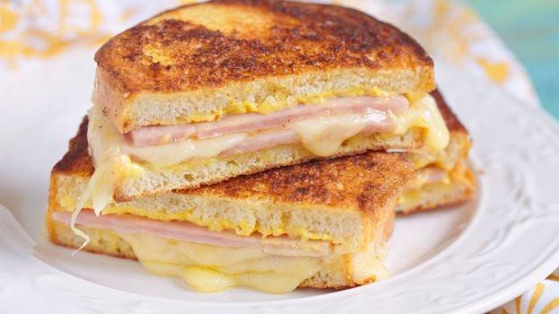 Misto quente de sanduicheira ou tostex