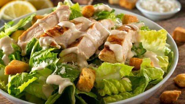 Salada de frango de verão