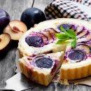 Bolo de Ameixa com Mesclado de Cheesecake