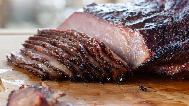 Brisket Assado no Barbecue Caseiro
